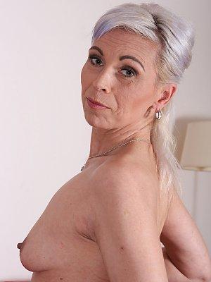Sexy Mature Wife Kathy White