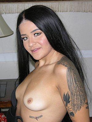 Amateur Model Reina