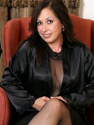 Hot Cougar Samy Rodriguez